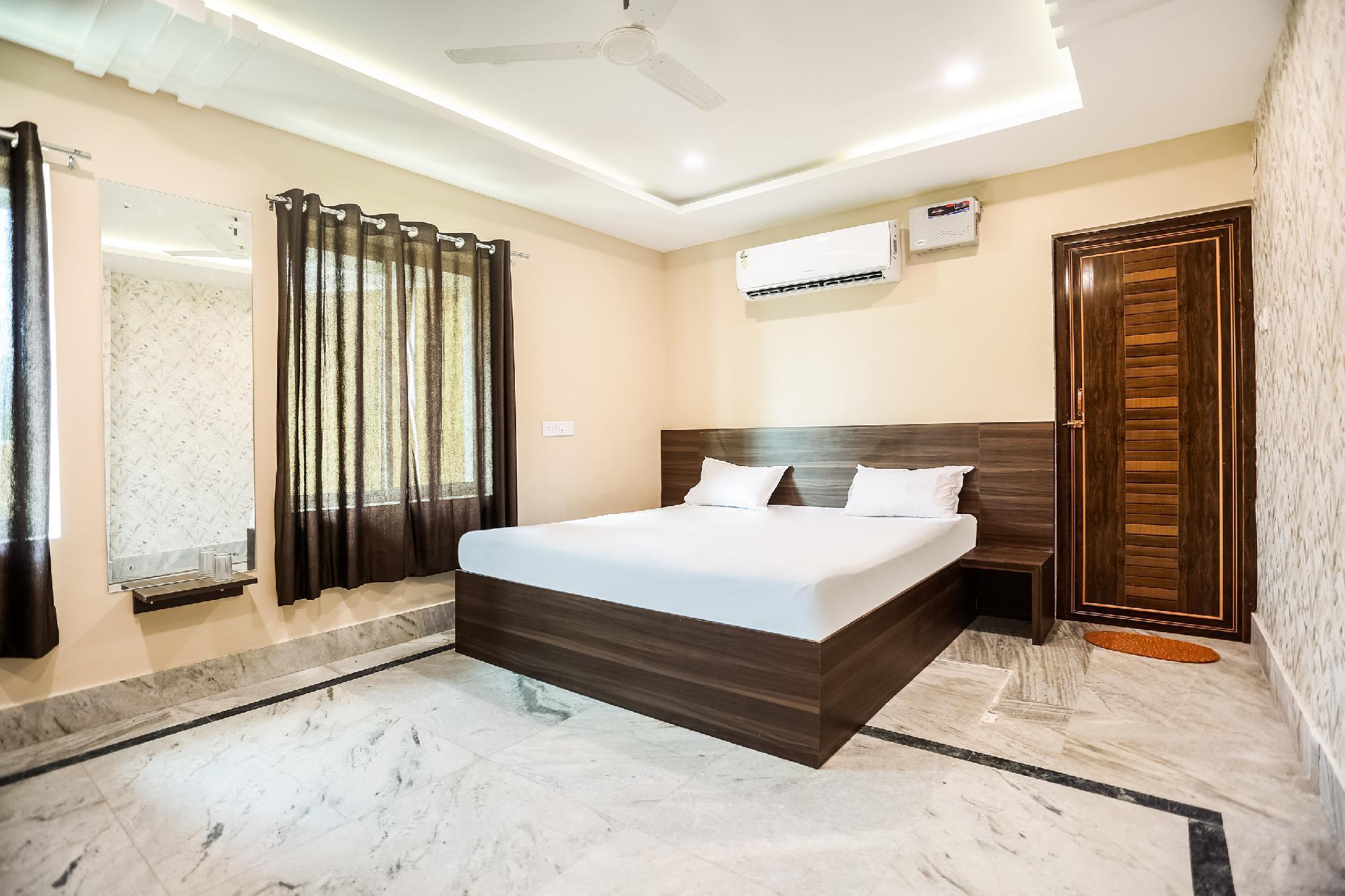 SPOT ON 37842 Hotel Aavaas