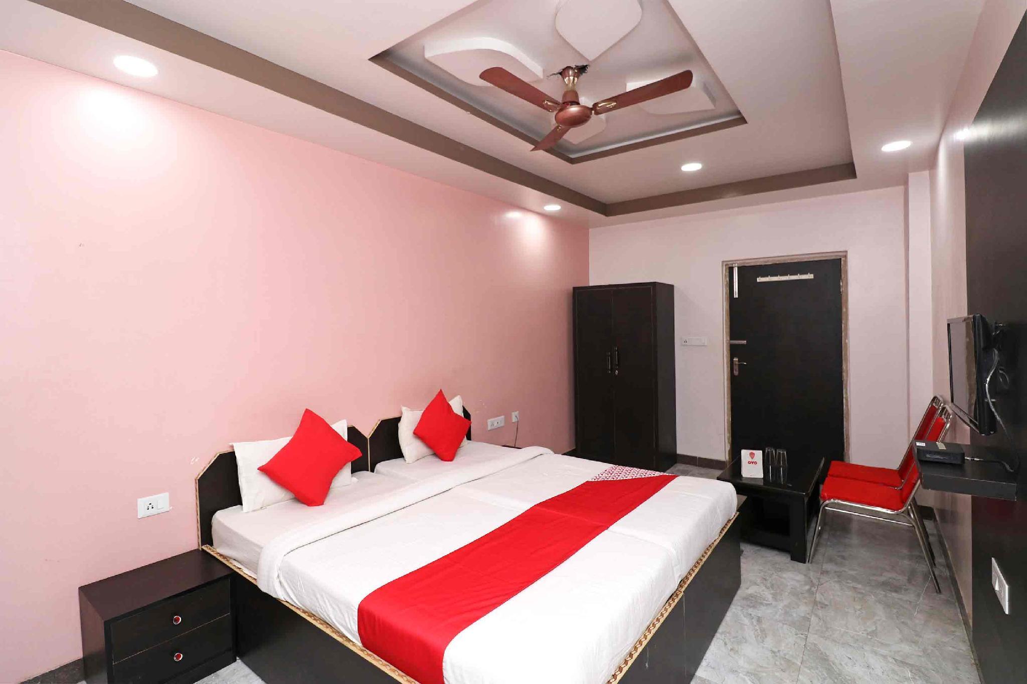 OYO 37689 Hotel Sunaina International