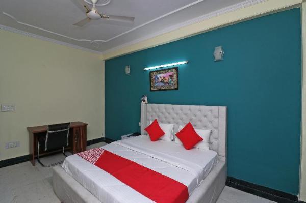 OYO 38025 Happy Homes New Delhi and NCR