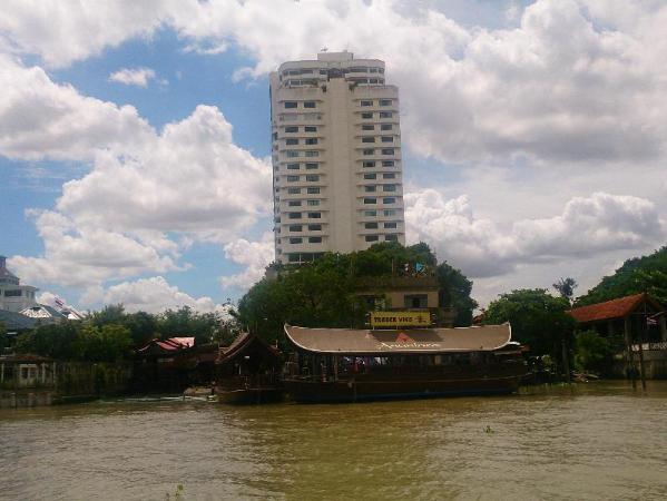 Khunying Riverside Residence Bangkok