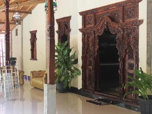 Monalisa Stabas Villa