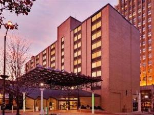 關於阿倫敦中心城市假日酒店 (Holiday Inn Allentown Center City)