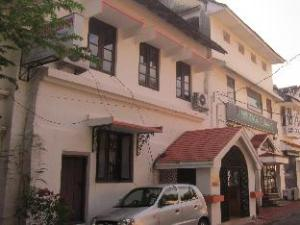 Madeleine Inn Guest House