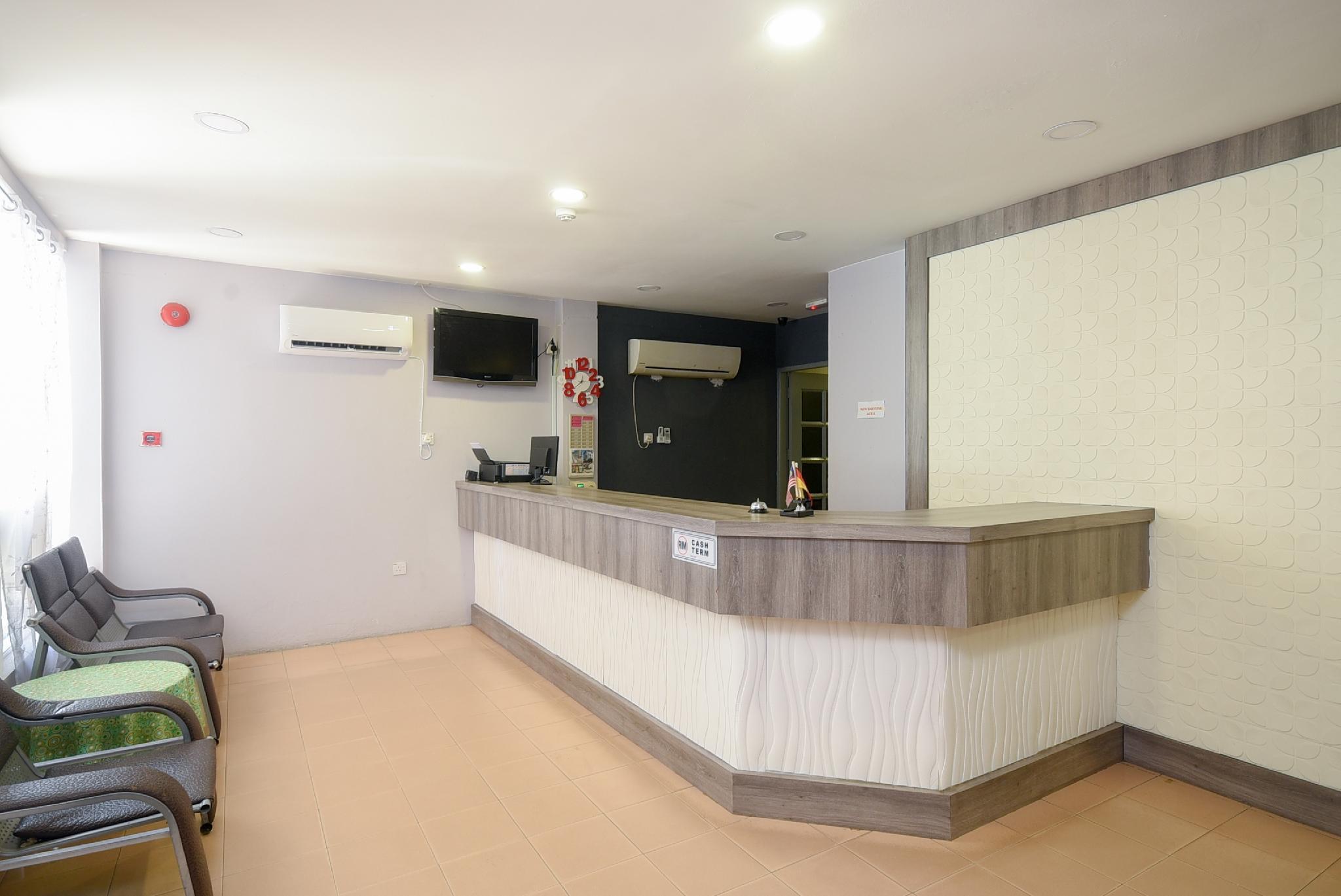 OYO 989 Ostay Inn