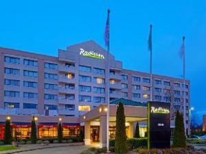 فندق راديسون سياتل إيربورت (Radisson Hotel Seattle Airport)