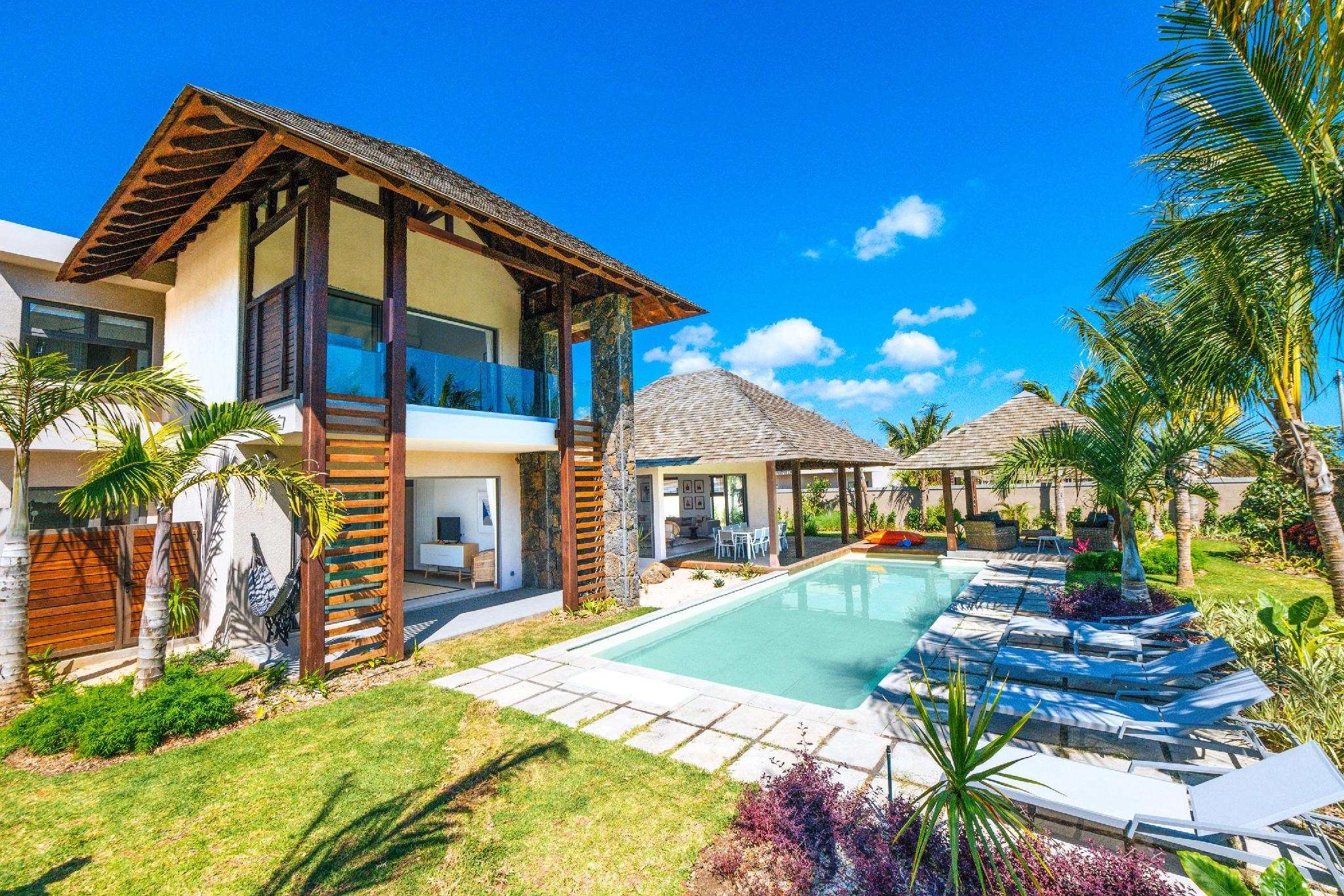 Mythic Suites And Villas