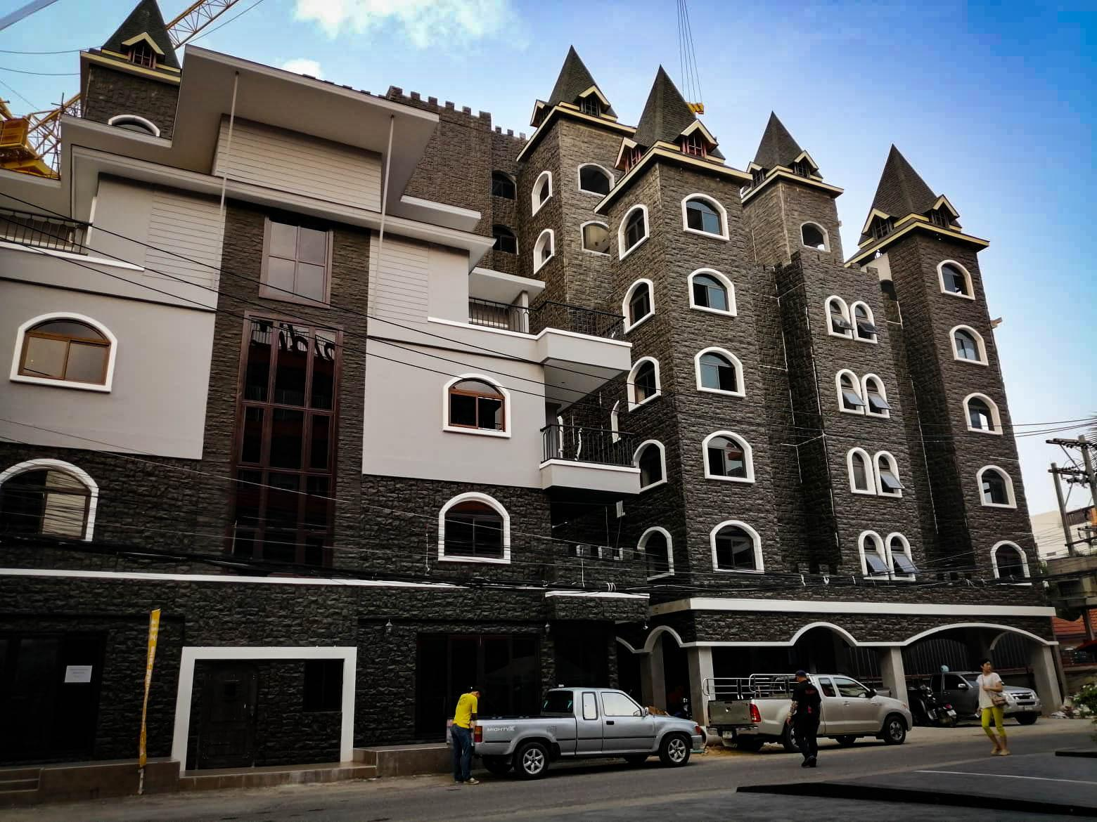 Castle Suites