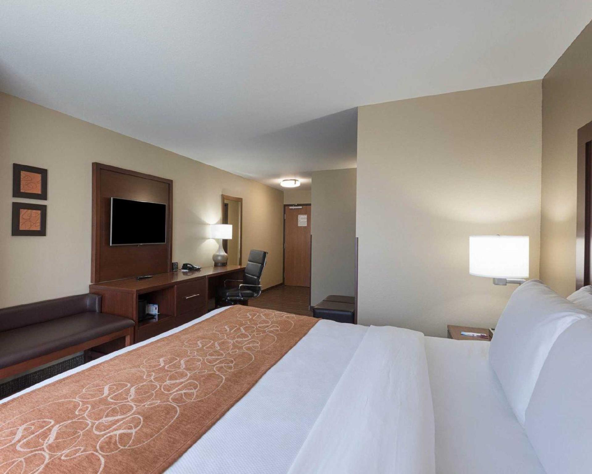 Comfort Suites Bridgeport   Clarksburg