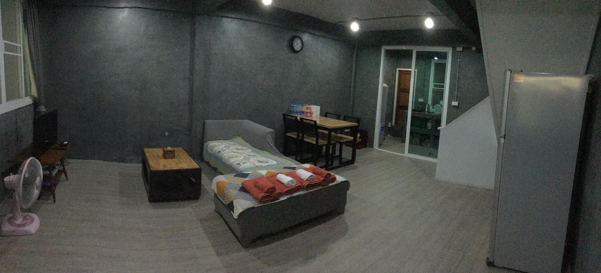 2 Bedrooms   Entire House