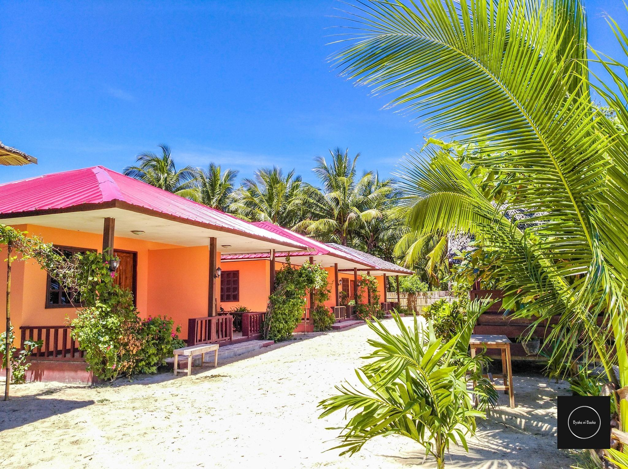 Share Room With Single Bed Beach Front
