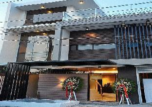 picture 1 of La Panoramica Inn