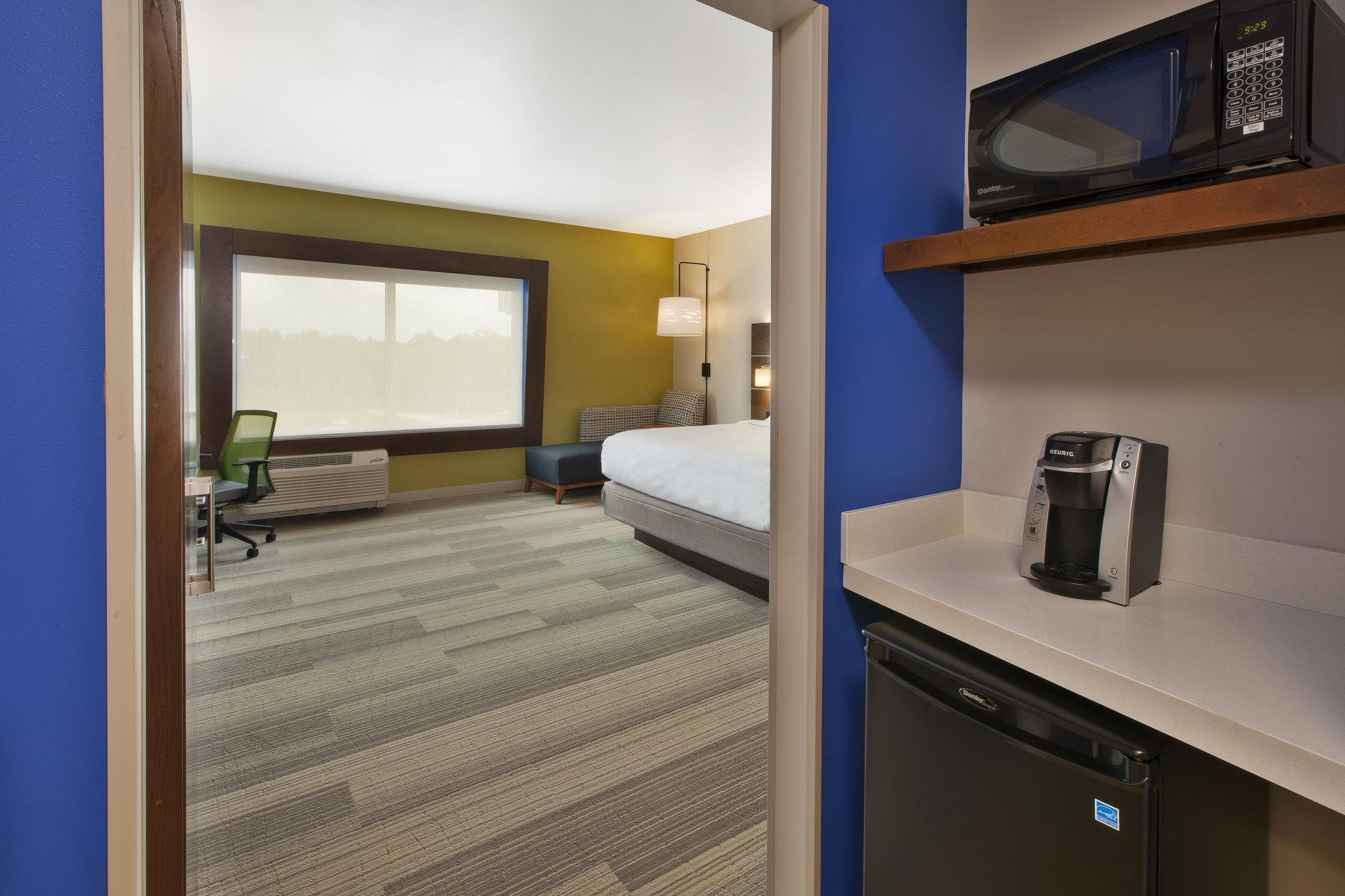 Holiday Inn Express And Suites South Hill