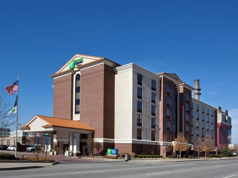 Holiday Inn Express Hotel And Suites Indianapolis Dtn Conv Ctr Area