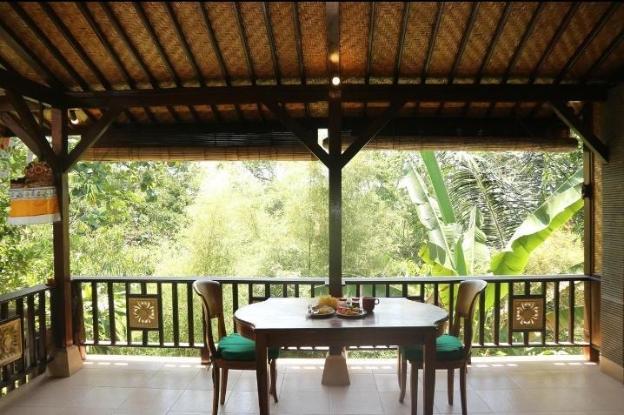 Batik Painting Villa