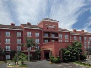 Courtyard By Marriott Hotels image