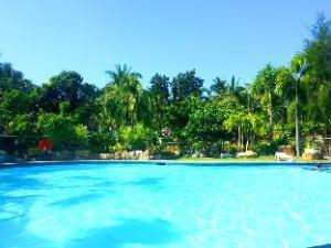 Bakasyunan Resort and Conference Center Zambales