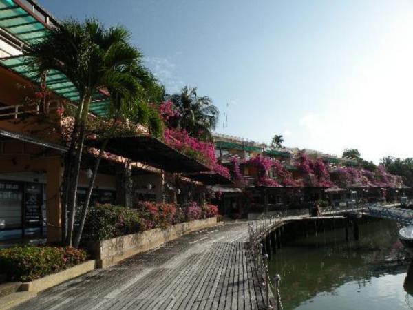 Royal Lighthouse Villas at Boat Lagoon Phuket
