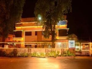 Dayal Lodge