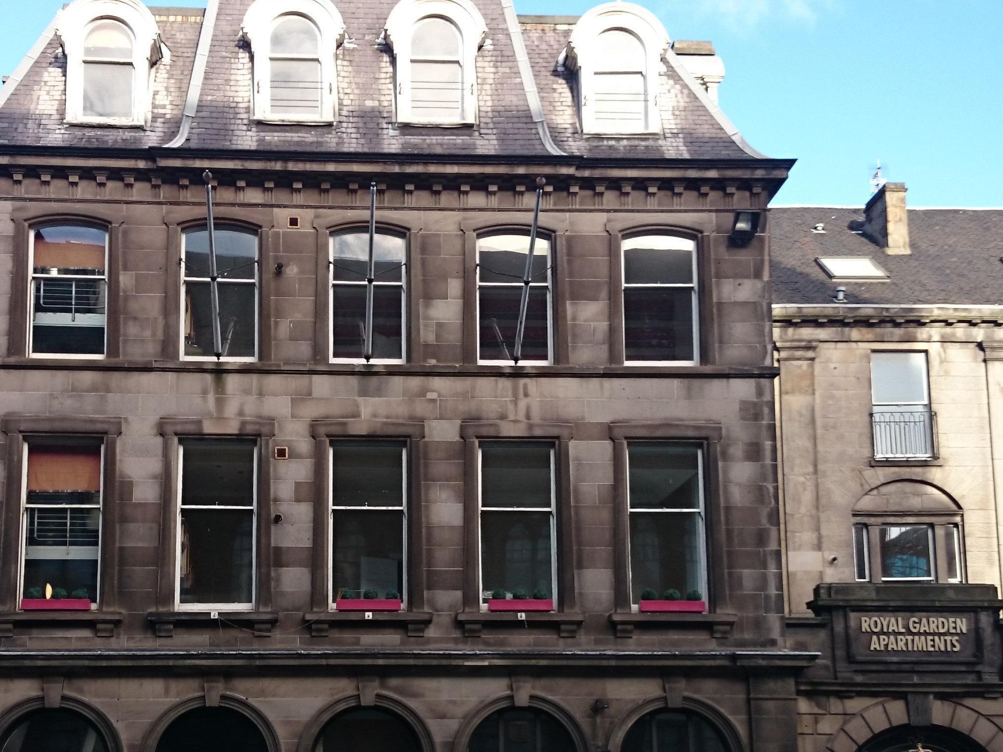 Fountain Court   Royal Garden Apartments