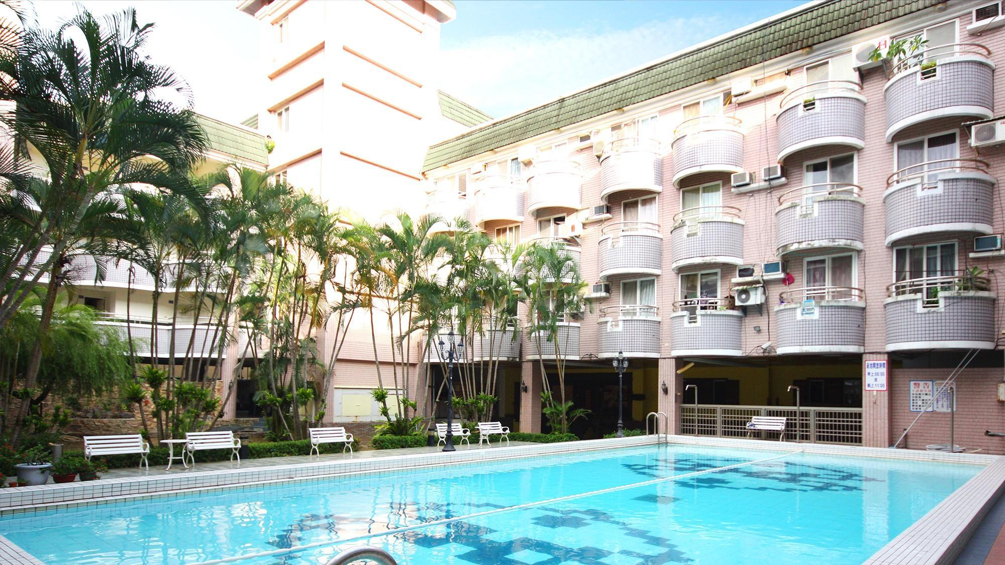 Midsummer Kenting Bed And Breakfast