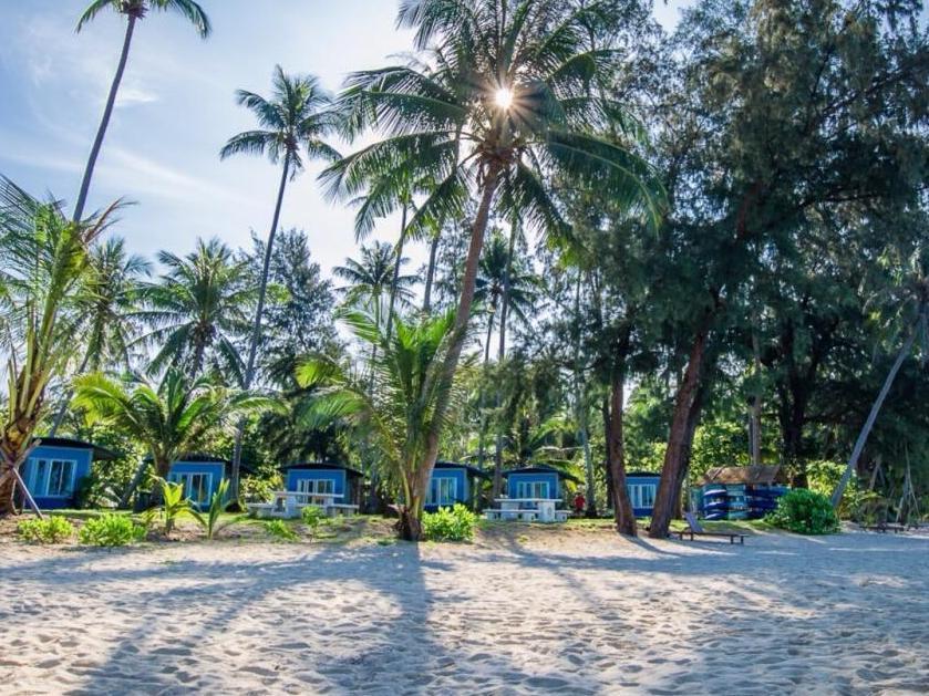 Seafar Resort สีฟ้า รีสอร์ท