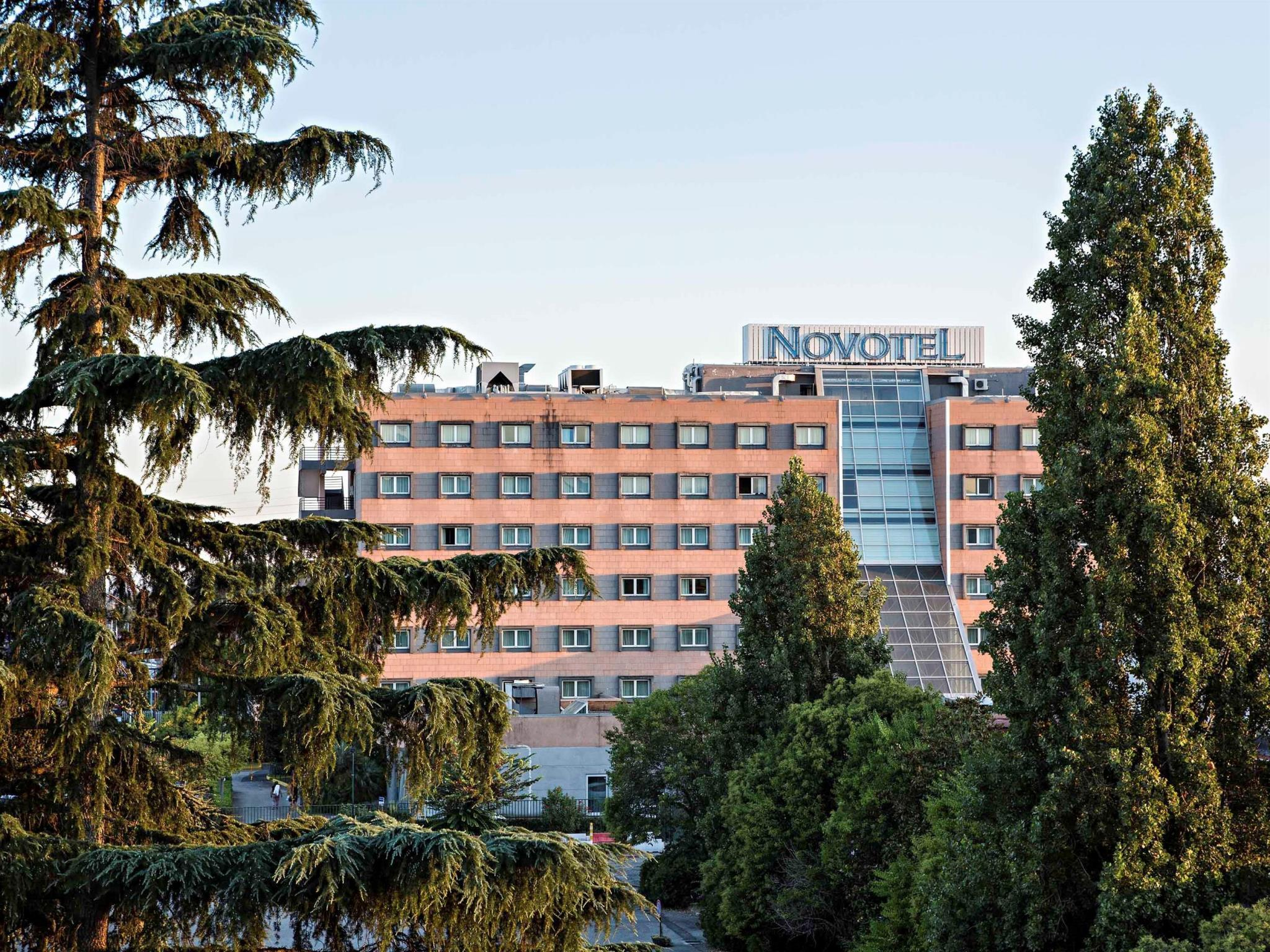 Novotel Caserta Sud Hotel