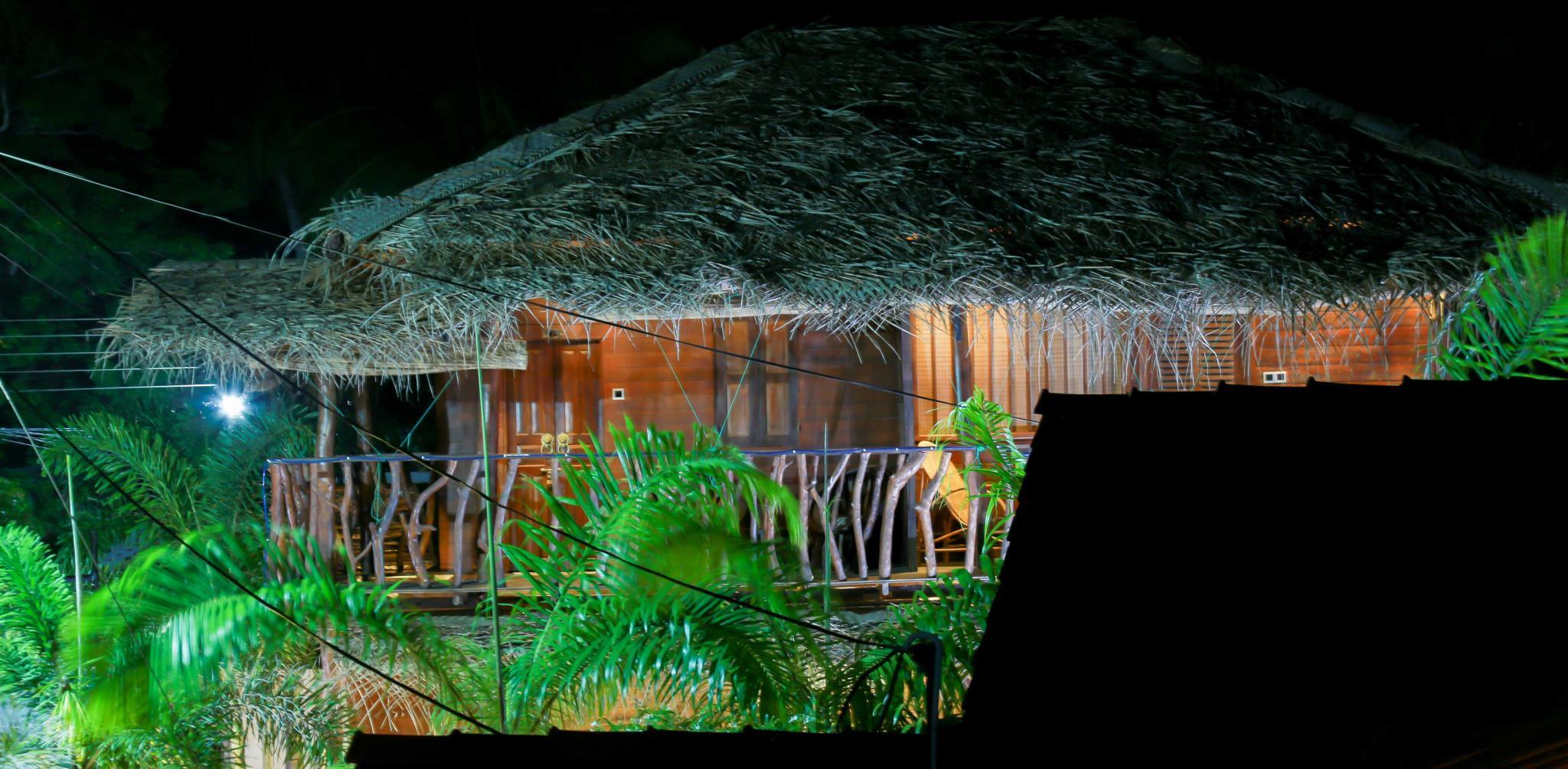 Coco Palm Villa And Cabanas