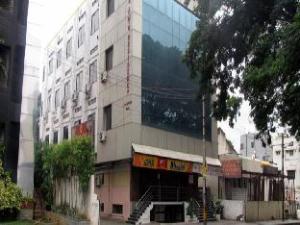 AMM Residency