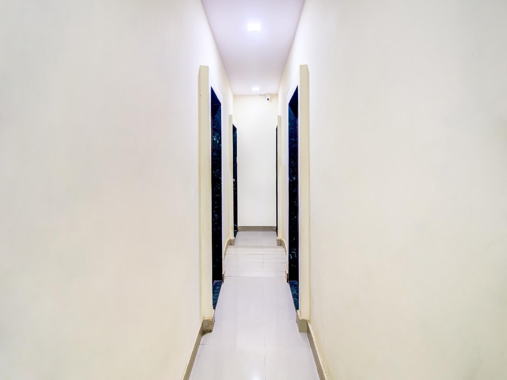 OYO 22796 Hotel Ss Comfort Palace