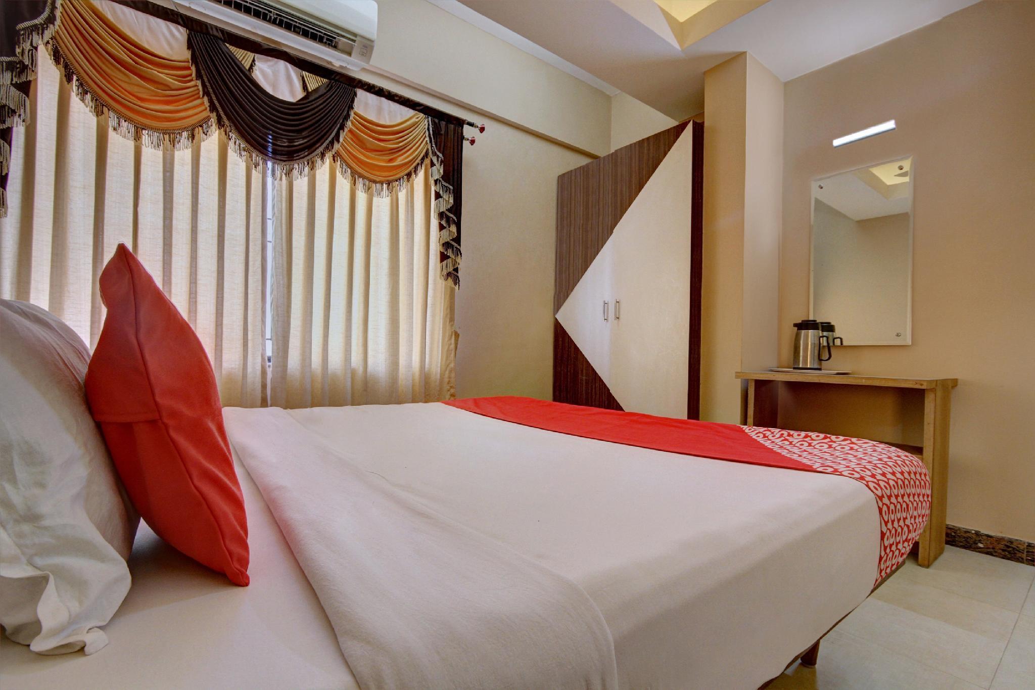 OYO 23534 Shambhavi Hotels