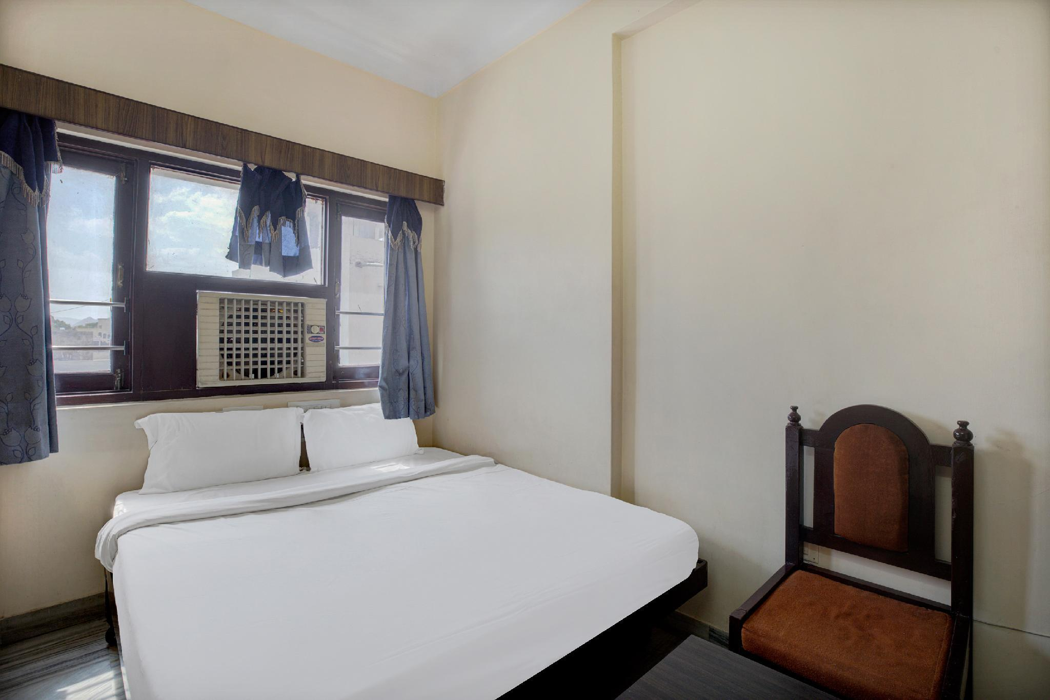 SPOT ON 40510 Hotel Pavitra Inn