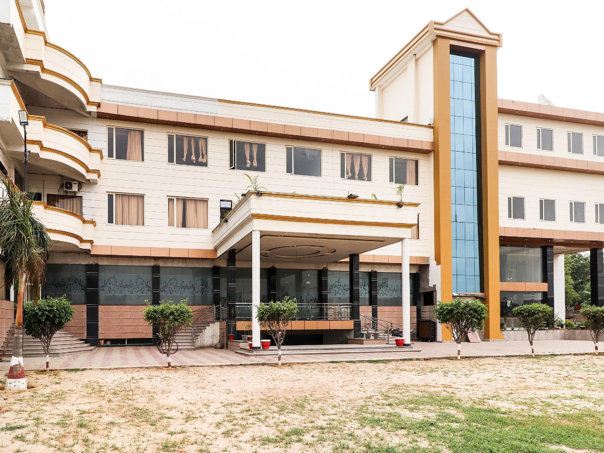 OYO 39959 Hotel Bandhan Bahraich
