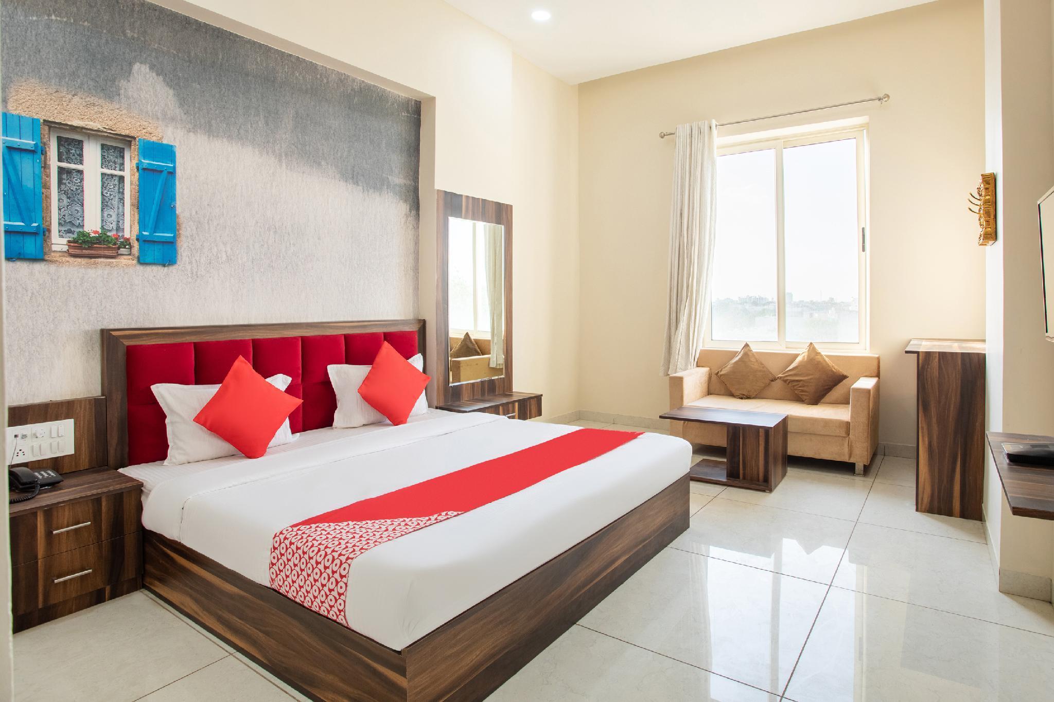 OYO 40909 Shiv Palace