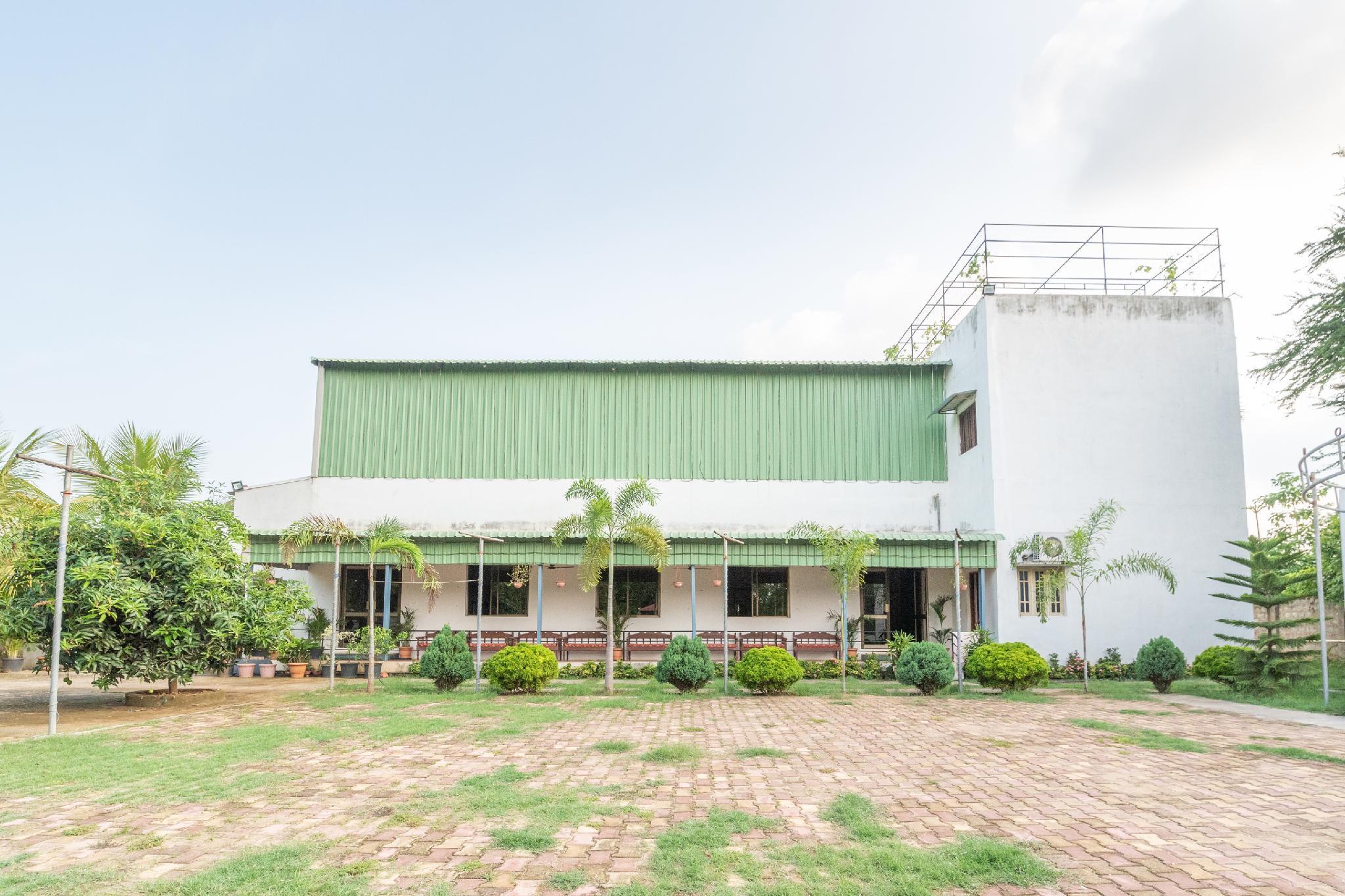 Capital O 41470 Trupthi Resorts