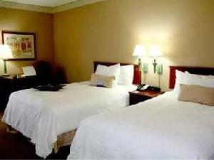 Hampton Inn & Suites Nashville At The University Hotel