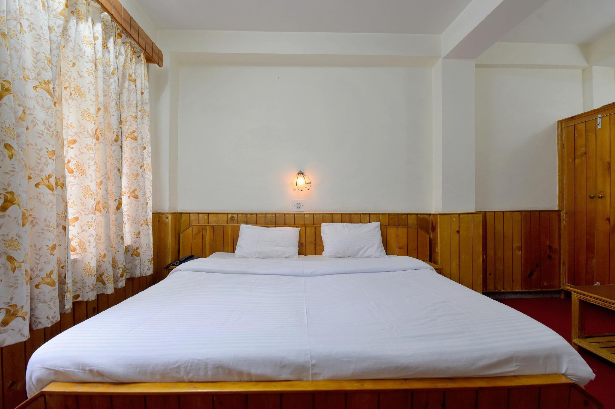 SPOT ON 40517 Hotel Rock   N   River