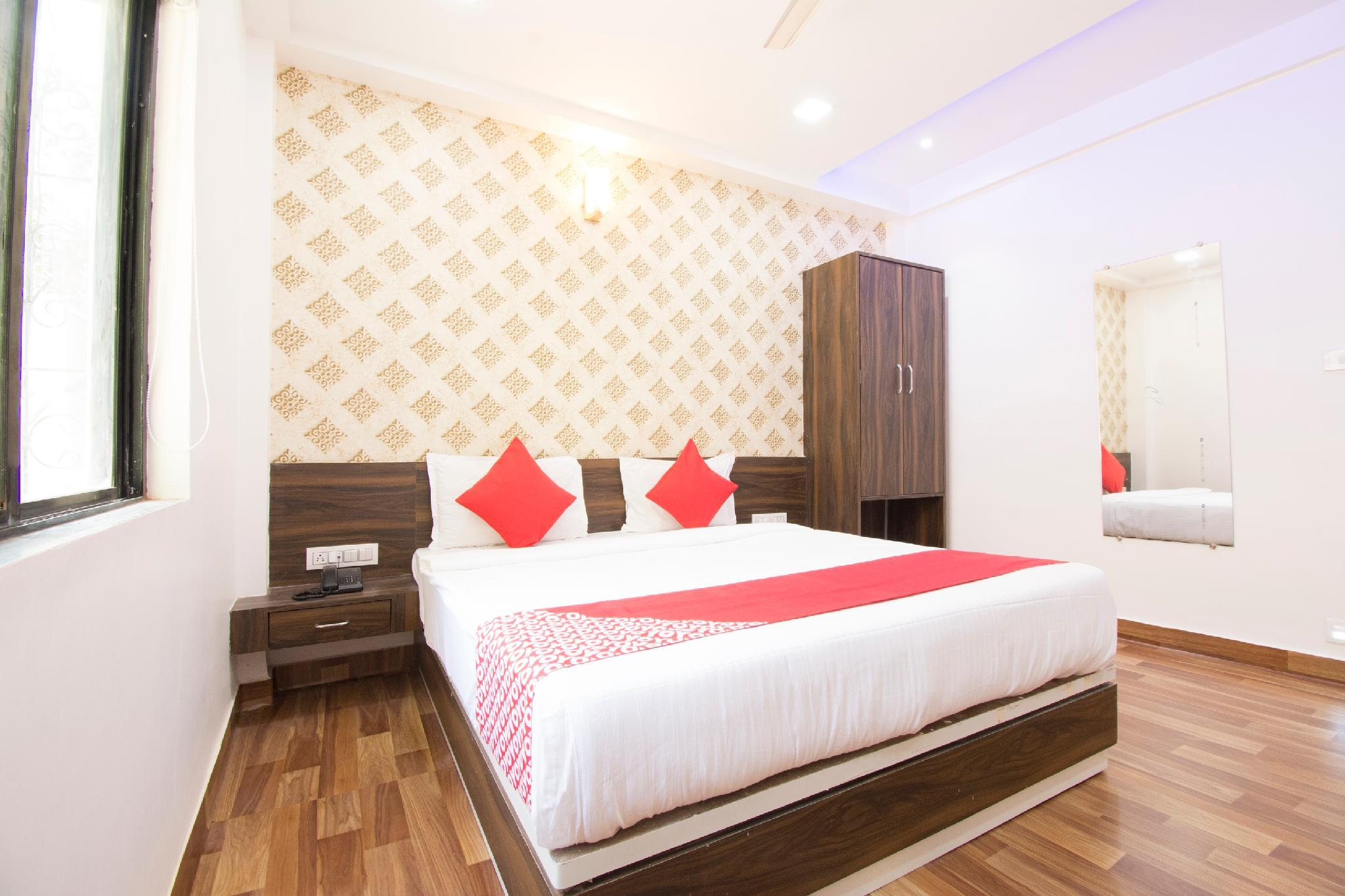 OYO 40923 Royal Guest House