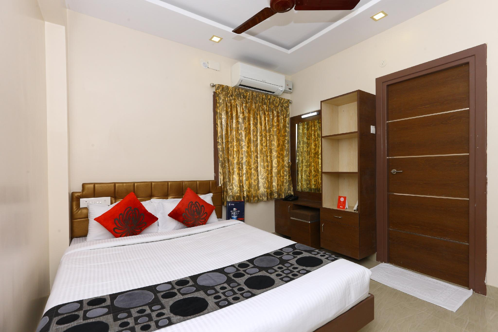 OYO 40876 Sri Kamadhenu Residency