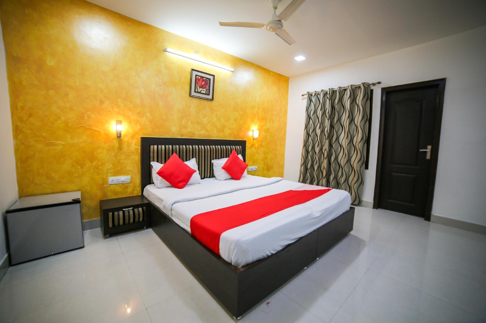 OYO 35555 Hotel Prateek Plaza
