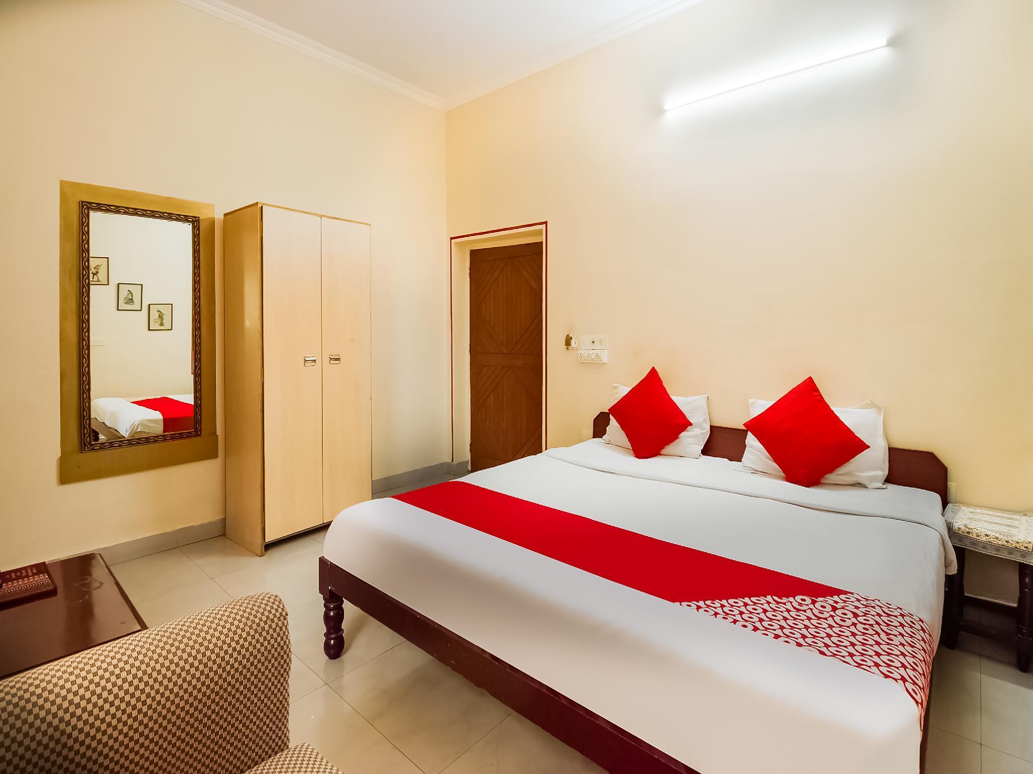 OYO 14069 Jaipur House