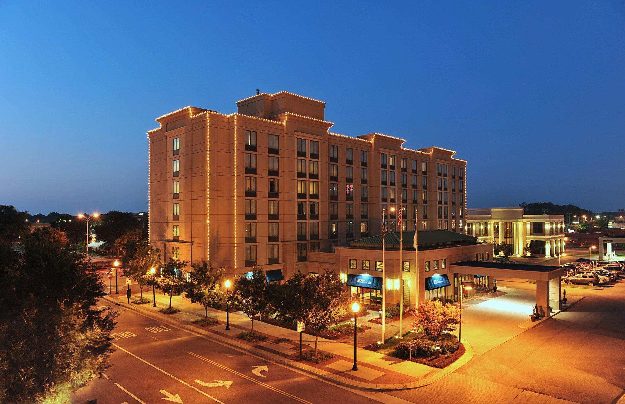 Hilton Garden Inn Virginia Beach Town Center Hotel