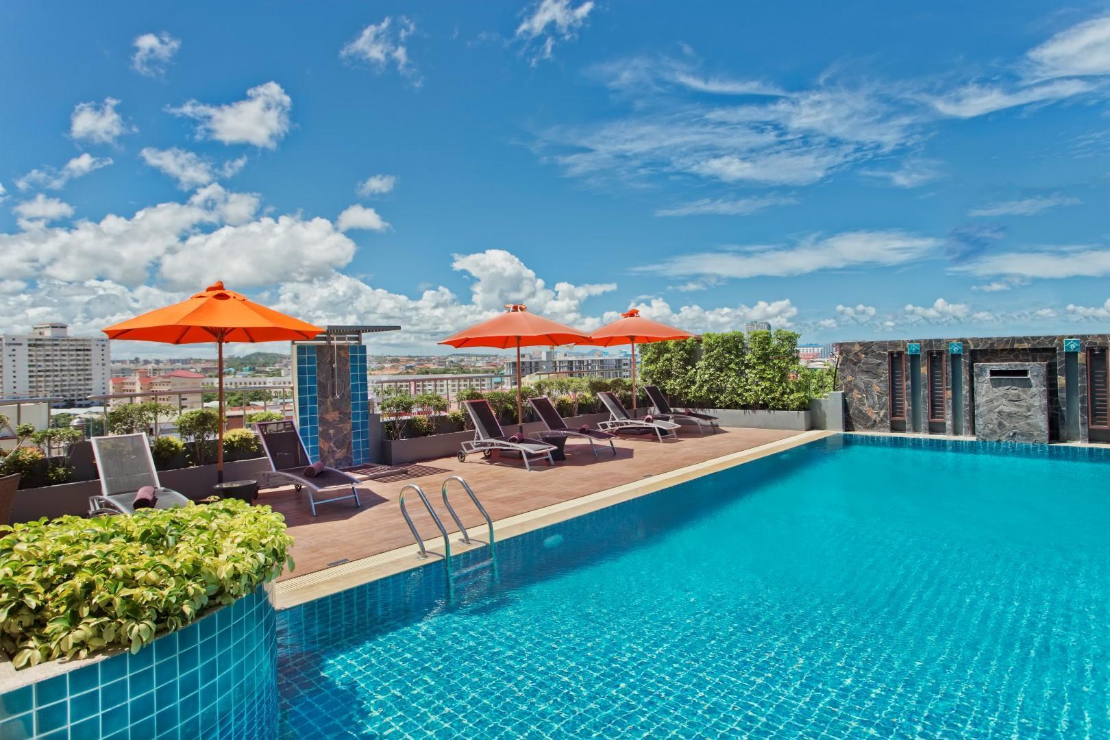 Adelphi Pattaya Hotel โรงแรมอเดลฟี พัทยา