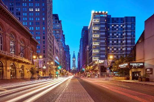 DoubleTree by Hilton - Philadelphia Center City