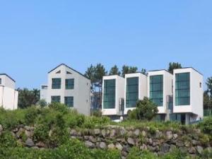 สเตย์ อินน์ เชจู ฮอลิเดย์ เฮาส์ (Stay in Jeju Holiday House)