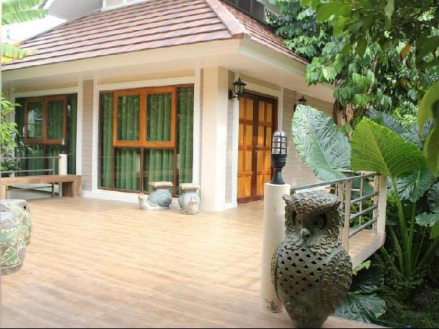 ดำเนินแคร์ รีสอร์ท – Damnoen Care Resort