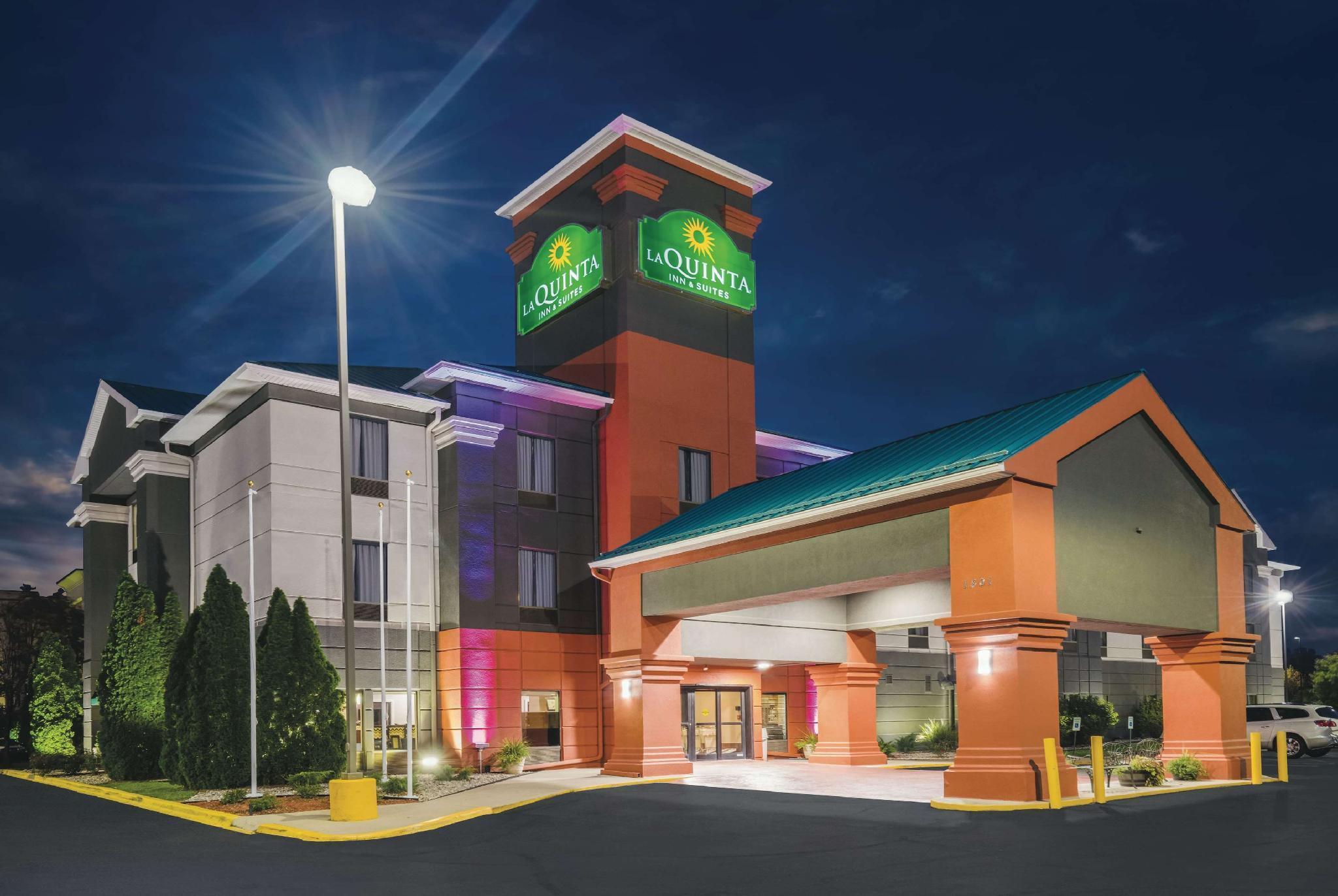 La Quinta Inn And Suites By Wyndham Louisville