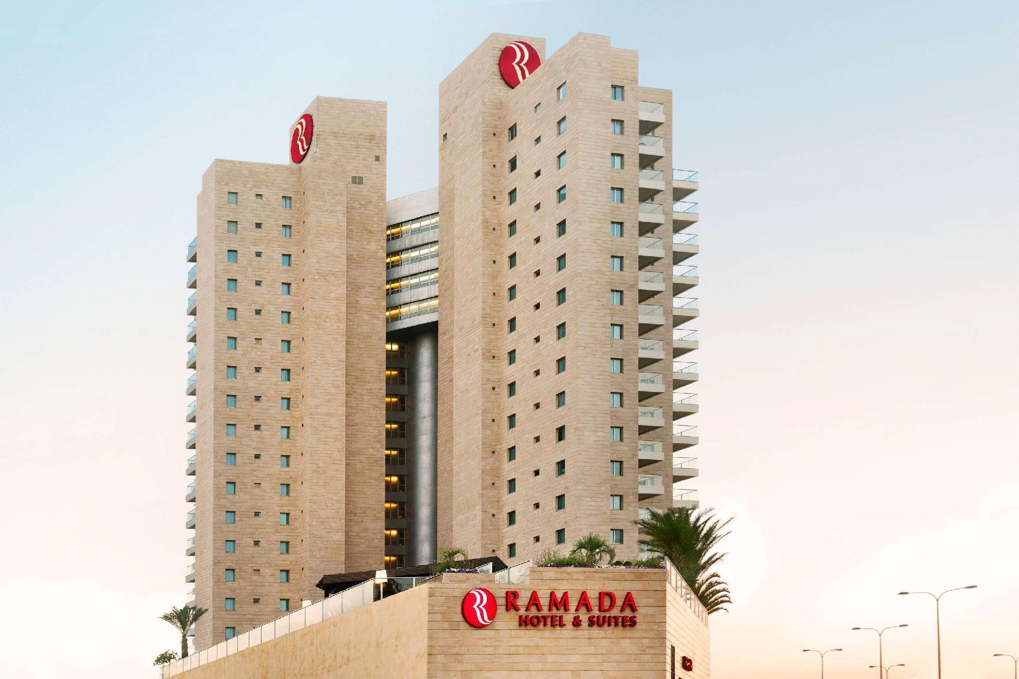 Ramada Netanya Hotel And Suites