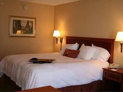 Hampton Inn McHenry   IL Hotel
