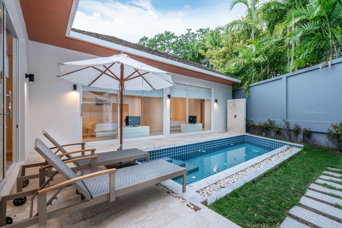 2 BDR Pool Villa Signature At Naiharn Phuket