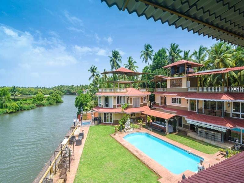 Stonewood Riverfront Resort